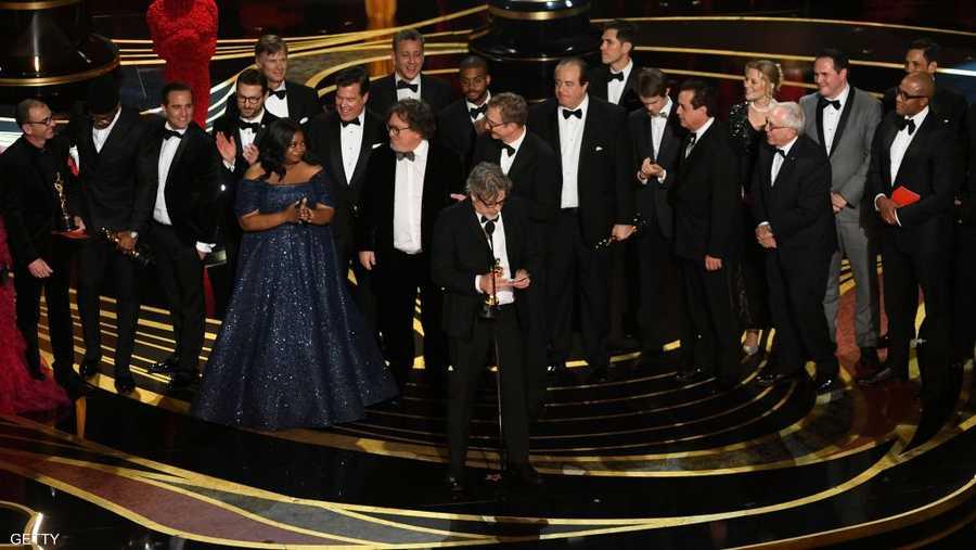 """أحرز فيلم """"كتاب أخضر"""" (غرين بوك) جائزة الأوسكار لأفضل فيلم. وهو إنتاج كوميدي أميركي، من إخراج بيتر فاريلي وإنتاج """"يونيفرسال بيكتشرز""""."""