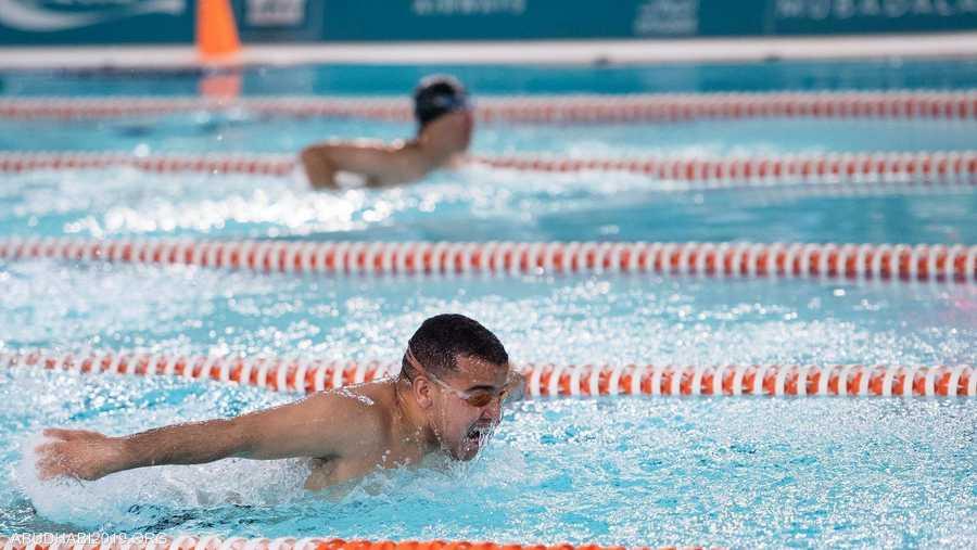 تمثل السباحة أيضا ميدانا للتنافس بين أصحاب الهمم في الأولمبياد الخاص
