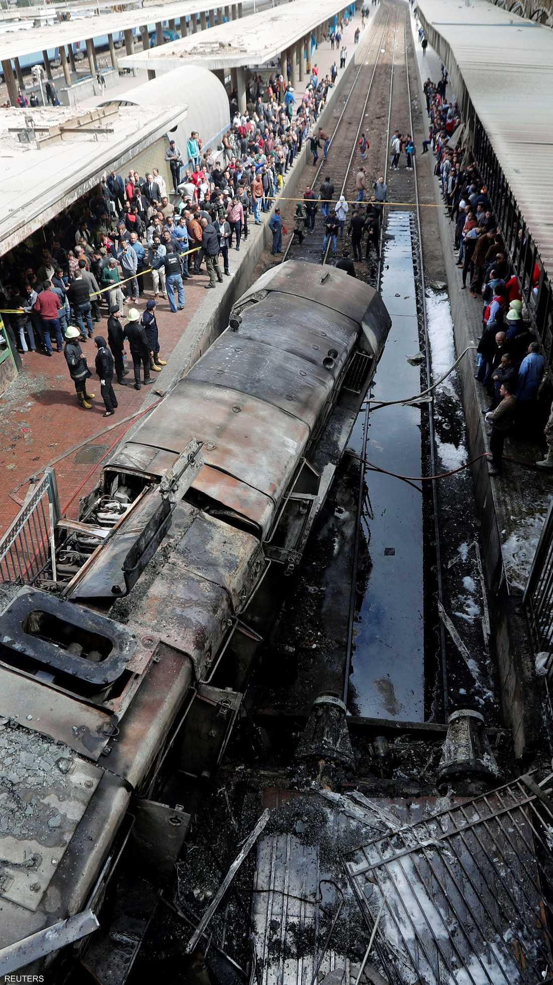 حريق هائل نشب جراء اصطدام القطار بأحد الأرصفة محطة رمسيس