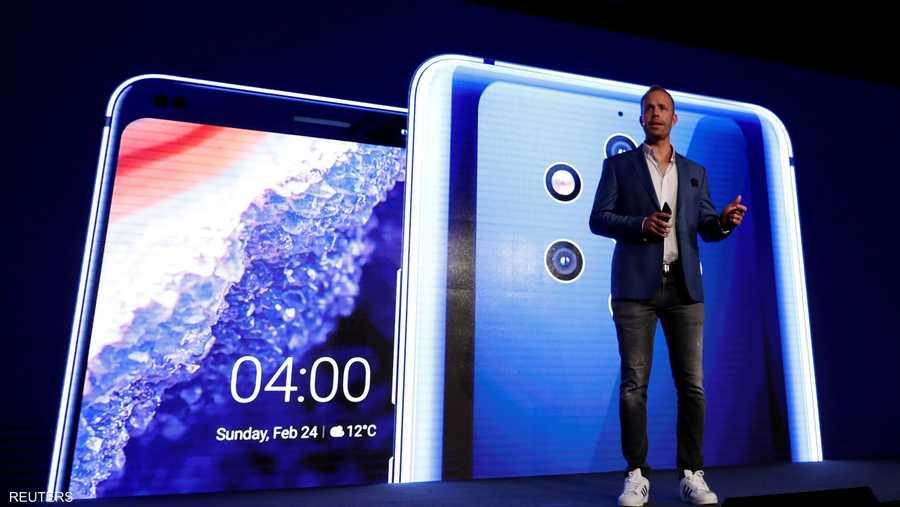 """كشفت شركة """"إتش إم دي"""" المطورة لهواتف """"نوكيا"""" خلال مشاركتها في المؤتمر عن هاتفها """"بيور فيو""""، الذي يتمتع بقدرات تصوير """"خارقة""""."""