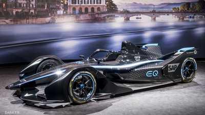 """""""مرسيدس"""" تكشف عن أول سيارة سباق كهربائية"""