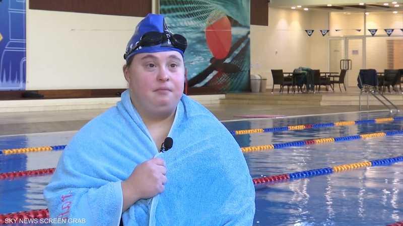 سارة خليفة.. سباحة لبنانية تتطلع للذهب بالأولمبياد الخاص