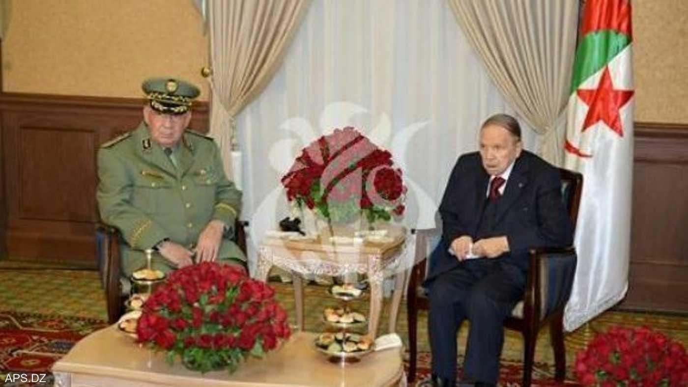 لقاء بوتفليقة مع قائد الجيش الجزائري أحمد قايد صالح