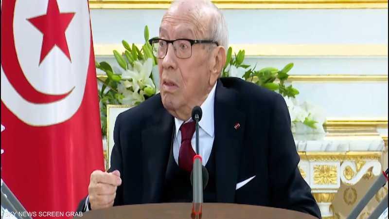 تونس.. السبسي يتهم النهضة بتهديد الأمن القومي التونسي