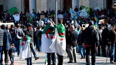 """الجزائر.. احتجاجات حاشدة تندد بالتمديد """"للعهدة الرابعة"""""""