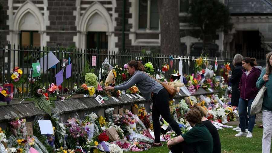 جرى التخطيط لتنظيم جنازات اليوم السبت لبعض الضحايا، الذين ولد العديد منهم في الخارج.