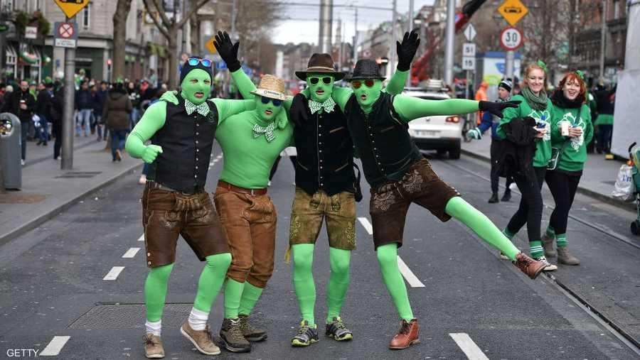 """""""جنون الأخضر"""" في شوارع العاصمة الأيرلندية"""