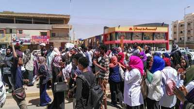 السودان.. إطلاق قنابل الغاز على متظاهرين بأم درمان