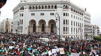 المظاهرات في الشوارع الجزائرية لا تزال مستمرة.
