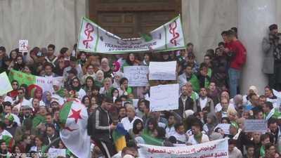 صحيفة جزائرية: بوتفليقة سيغادر قصر الرئاسة 28 أبريل