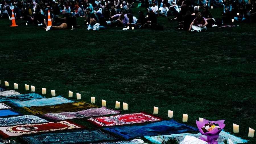 الشموع تضاء في حديقة هاغلي تضامنا مع ضحايا المجزرة