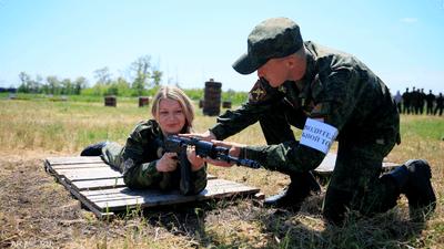 """""""جيش شبيبة بوتن"""".. روسيا تجند مئات آلاف الأطفال الأيتام"""