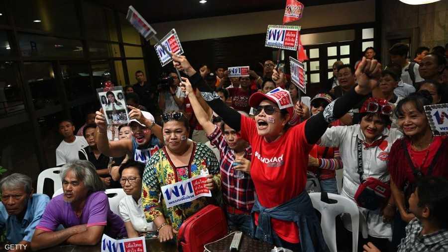 يقول منتقدون إن النظام الانتخابي الجديد يعطي الأفضلية مسبقا للأحزاب الموالية للجيش