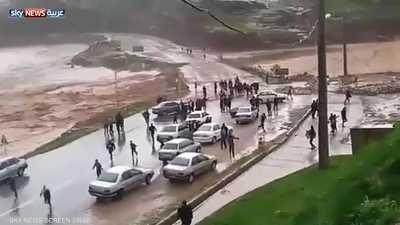 السيول تغرق محافظات إيرانية.. وسقوط قتلى