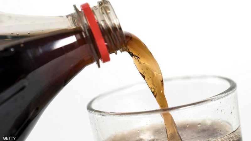 ماذا يحدث لجسدك بعد تناول المشروبات الغازية؟
