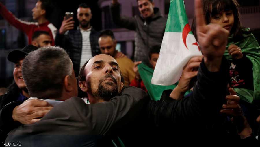 وفقا للدستور الجزائري، يتولى رئيس مجلس الأمة، عبد القادر بن صالح، رئاسة الدولة لمدة 90 يوما لحين إجراء الانتخابات.