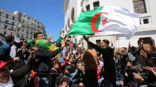 تظاهرات غاضبة اندلعت عقب إعلان المجلس الدستوري تعيين بن صالح
