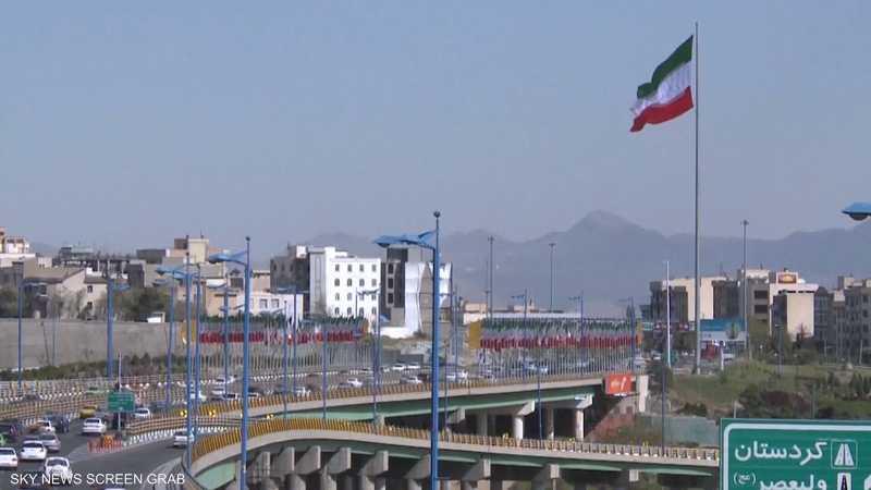 الحرس الثوري يحكم قبضته على مفاصل الاقتصاد الإيراني