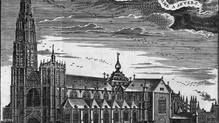 ويمثل المبنى الذي تم الانتهاء منه عام 1345 تحفة الفن والعمارة القوطية، الذي ساد القرن الثاني عشر حتى بداية القرن السادس عشر.