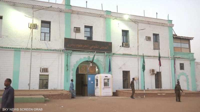 السودان.. أبرز رموز النظام السابق المعتقلين