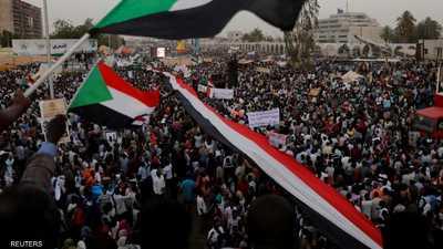 تظاهرات الخرطوم أمام وزارة الدفاع في 19 أبريل 2019