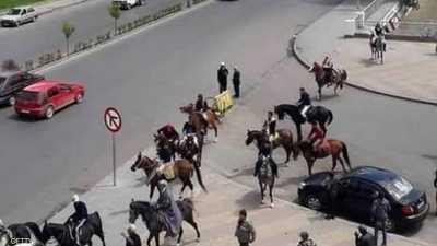 """حقيقة """"اللجوء إلى الخيول"""" في دمشق وسط أزمة الوقود"""