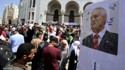 """حشود ضخمة في الجزائر ضد باقي """"الباءات"""""""