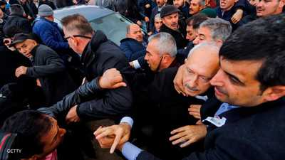 احتقان في أنقرة بعد الاعتداء على زعيم المعارضة
