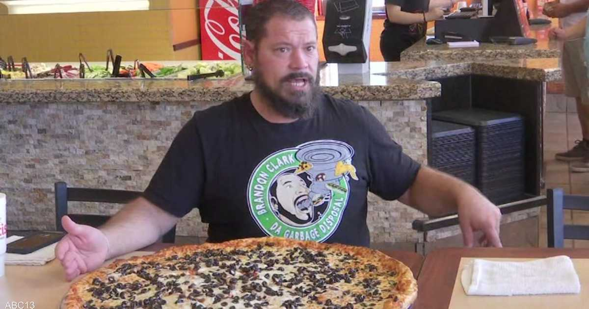 تحد مثير.. التهم هذه البيتزا تحصل فورا على 500 دولار