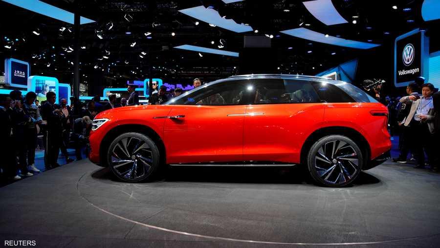 """كشفت """"فولكس فاغن"""" الألمانية عن نموذج لسيارتها الكهربائية متعددة الاستخدامات ROOMZZ."""