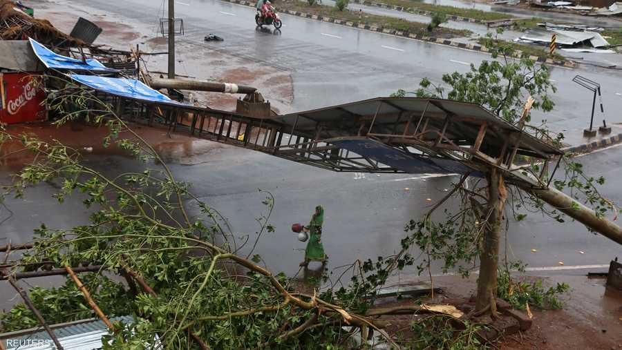 """يعد """"فاني"""" أول إعصار يضرب سواحل الهند المطلة على خليج البنغال خلال الصيف منذ 43 عاما."""