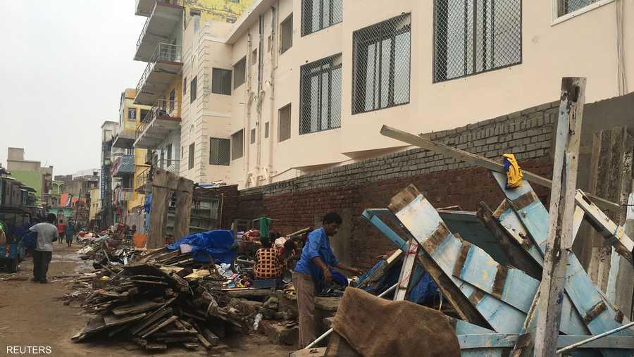 تسبب الإعصار في تدمير ما يزيد على 500 منزل وتشريد أعداد كبيرة من السكان.