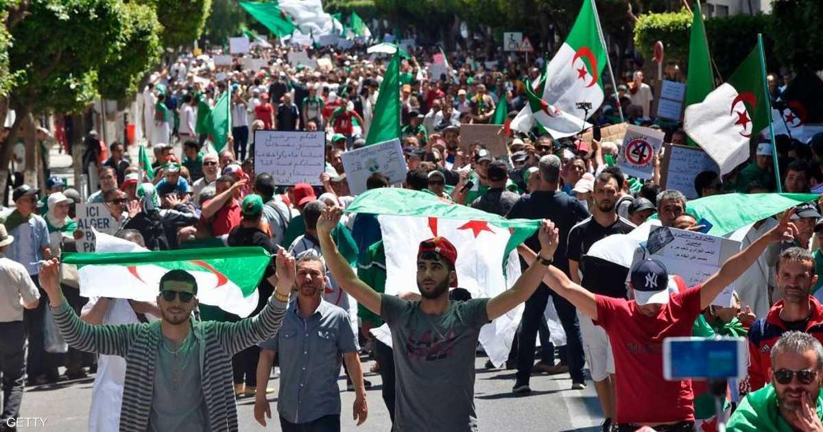 تظاهرات أول جمعة رمضانية بالجزائر.. تنديد مستمر بالنظام   أخبار سكاي نيوز عربية