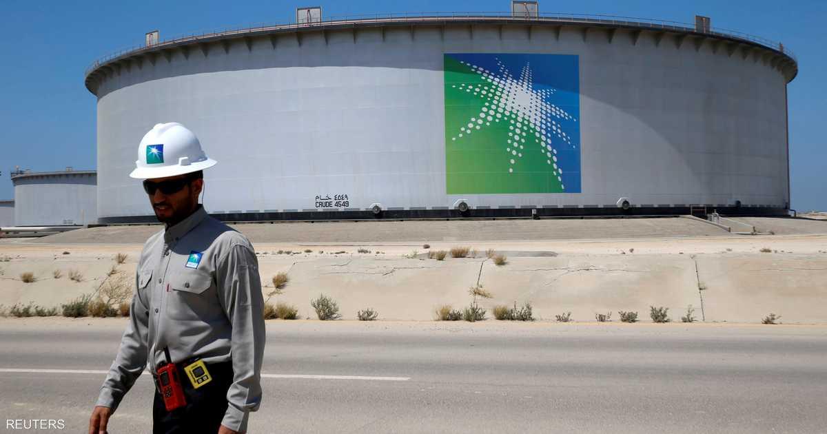 النفط يحافظ على مكاسبه بعد الهجوم الإرهابي في السعودية