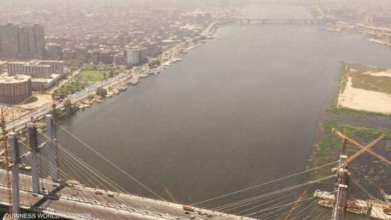 يبلغ عرض الجسر 67.3 متر