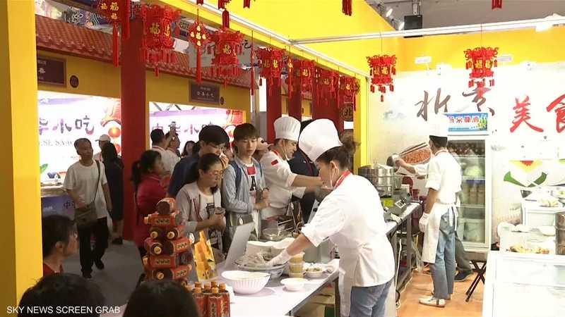 الآلاف يشاركون في مهرجان الطعام الآسيوي