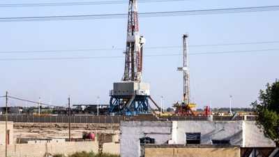"""العراق يسجل """"رقما قياسيا"""" في عائدات النفط"""
