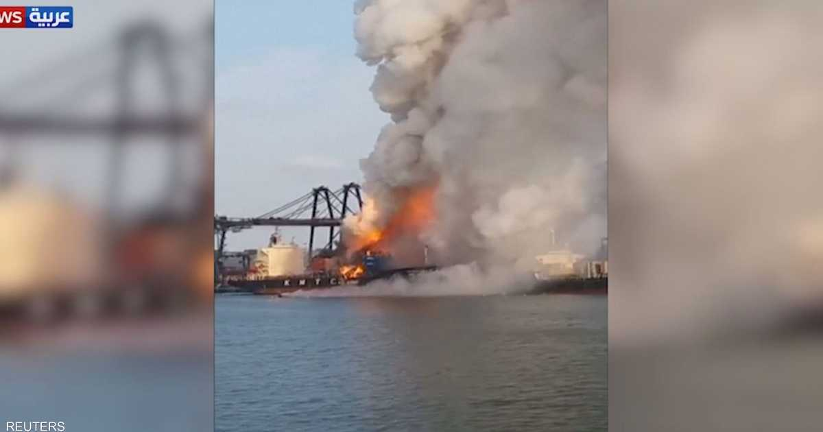 حريق ضخم يلتهم شحنة مواد كيماوية في تايلاند