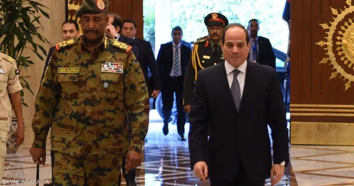 """السيسي والبرهان يتفقان على """"دعم الإرادة الحرة"""" للشعب السوداني"""
