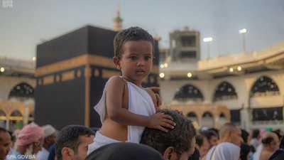 توافد الآلاف للمسجد الحرام في أولى العشر الأواخر من رمضان
