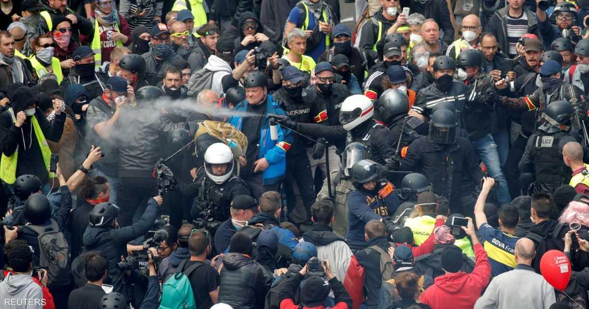 """""""السترات الصفر"""" تعود إلى شوارع فرنسا باشتباكات مع الشرطة"""