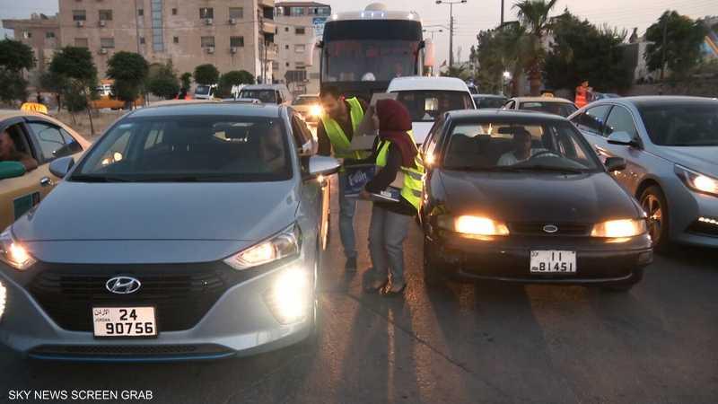 """ما تستعجل"" .. مبادرة لإفطار السائقين بالأردن"