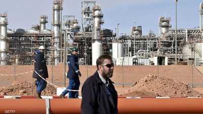 الرئيس الجزائري يحث على ترشيد الإنفاق لتخفيف المشاكل المالية