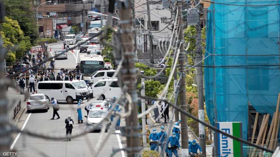 كانت معظم التلميذات الضحايا يقفن في محطة حافلات قريبة من حديقة نوبوريتو في مدينة كاواساكي، عندما شرع رجل في الأربعينيات أو الخمسينيات في طعنهن.