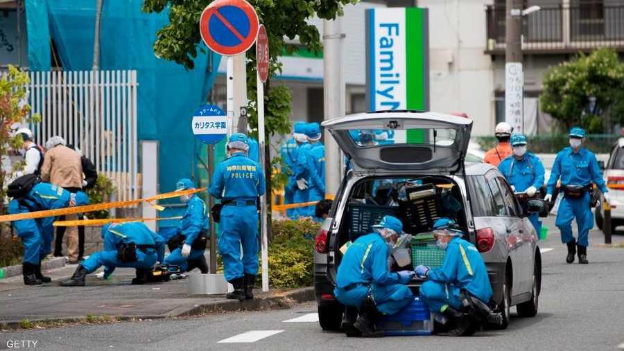 نقلت هيئة الإذاعة والتلفزيون اليابانية (إن إتش كيه)، نقلا عن الشرطة، قولها إن المهاجم توفي بعد أن ذبح نفسه.