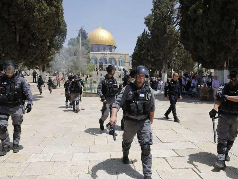 اشتباكات في نابلس بعد دخول مستوطنين للصلاة في قبر يوسف 1-1256531.jpg