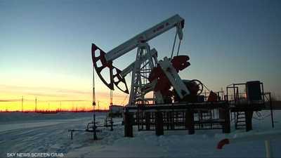 النفط يهبط وسط نزاعات التجارة وضبابية تخفيضات المعروض