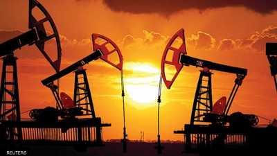 النفط يهبط بسبب مخزونات الوقود الأميركية