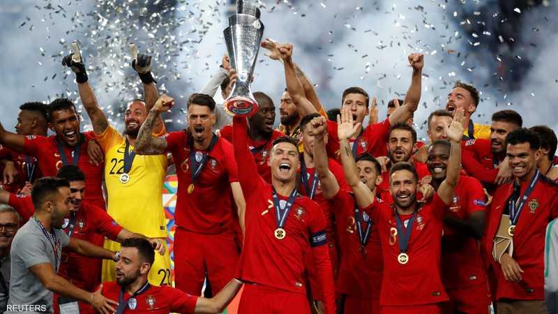 الفريق البرتغالي يفرح بالتتويج