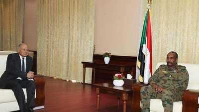 """الجامعة العربية تدعو إلى """"توافق داخلي"""" في السودان"""